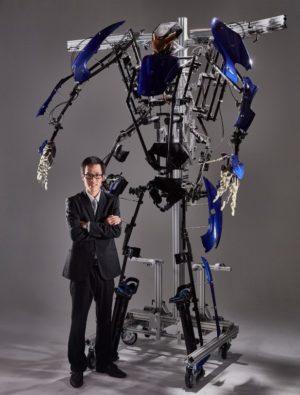 動作拡大型スーツ「スケルトニクス」